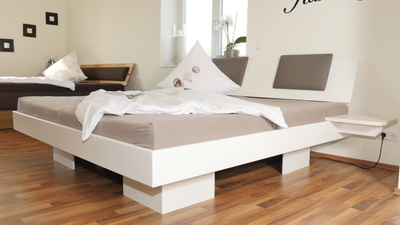 10 desi eckig 180x200cm mit matratzen ab 1419. Black Bedroom Furniture Sets. Home Design Ideas