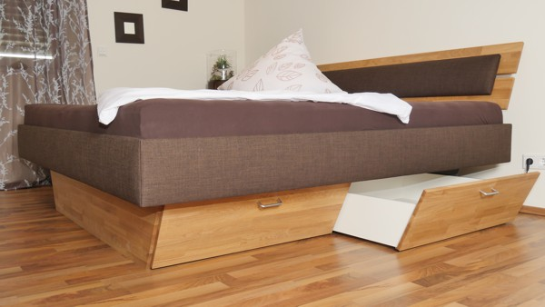 Boxspring-Bett mit Bettkasten